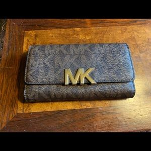 Michael Kors JetSet Logo Brown Wallet